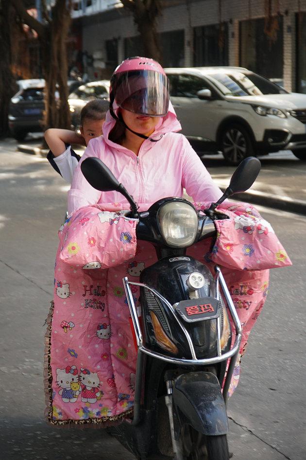 Lekker warm op de scooter