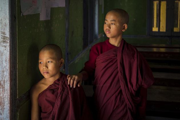 Jonge monniken in Mandalay