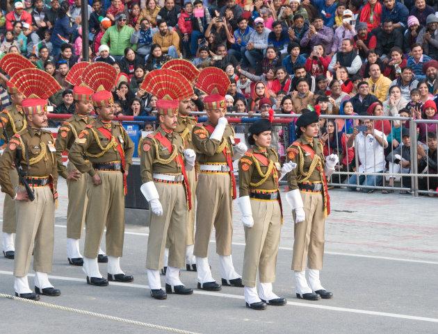 Ceremonie aan de grens India en Pakistan
