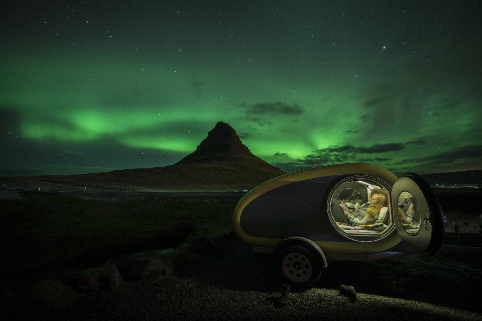 Slapen in een MINK-caravan, IJsland