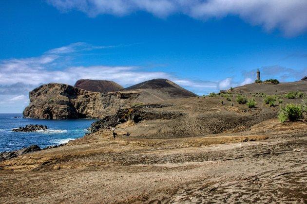 De vuurtoren Farol da Punta dos Capelinhos