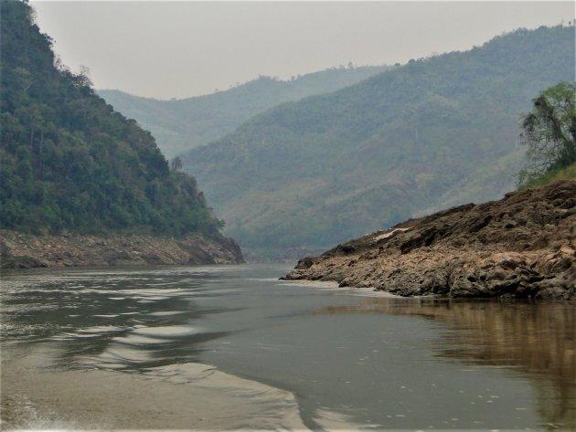 Varen op de Mekong in Laos.