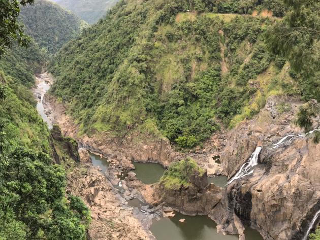 Barron Falls tijdens de Kuranda Scenic Railway vlakbij Cairns
