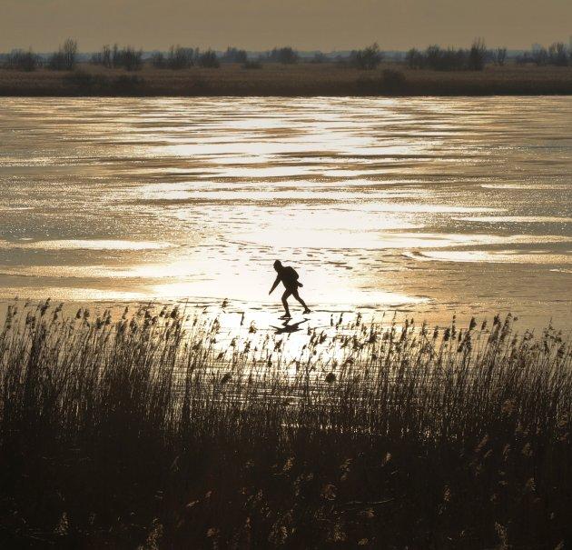 De eenzame schaatser