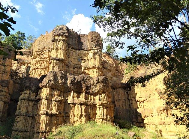Door erosie gevormde kliffen.