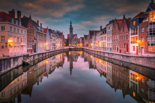 Brugge bij valavond