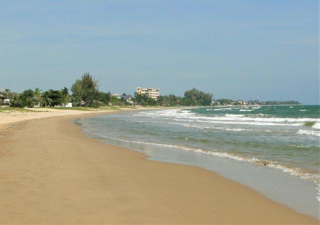 Stille stranden in Thailand.