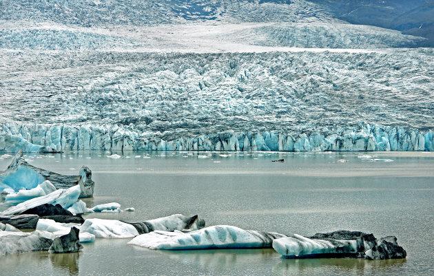 Bijna alleen bij de machtige gletsjer Fjallsjökull