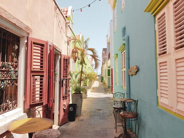 De kleurrijke straten van Curaçao