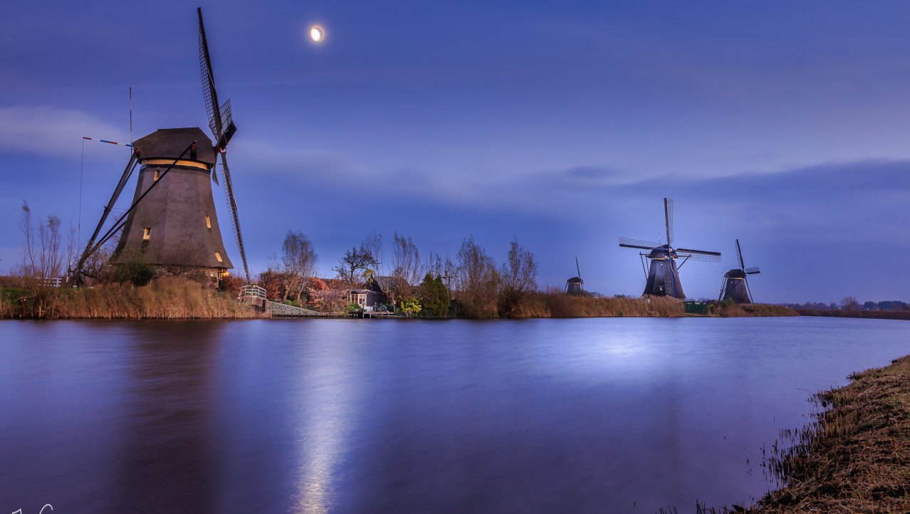 The Moon and Windmills