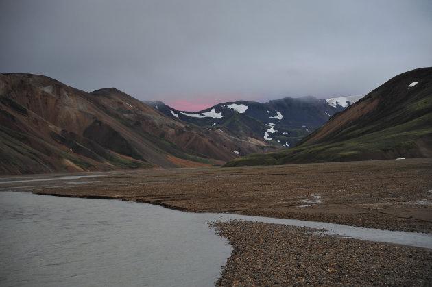 Zons ondergang Landmannalaugar, ijsland