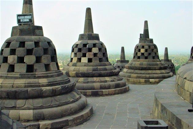 Stupa's op de Borobodur.