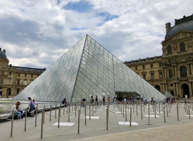 Rust bij het Louvre