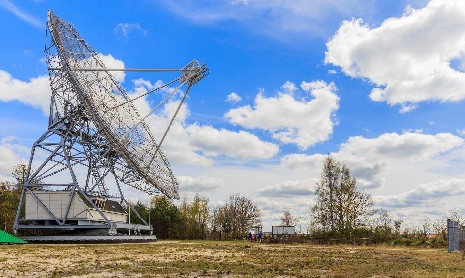 radiotelescoop van ASTRON Dwingeloo Drenthe