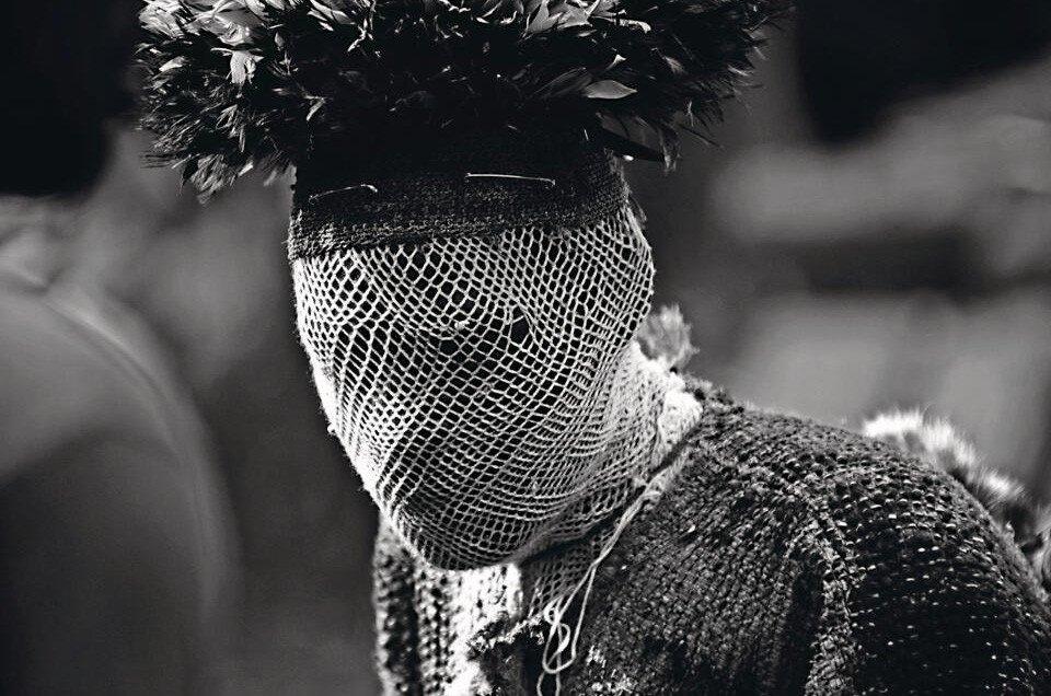 Traditionele goden tijdens maskerades in Kameroen CREDIT Michael Dehaspe