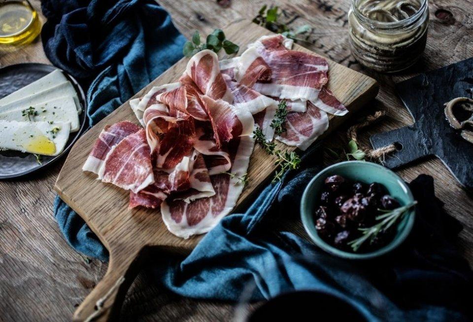 Prsut, delicatesse in Kroatië. Foto: Maja Danica Pecanic