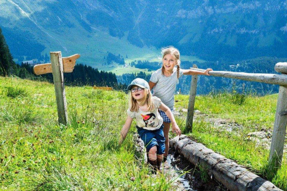 Wandel door het prachtige Alpenlandschap CREDIT Engelberg-Titlis Tourism
