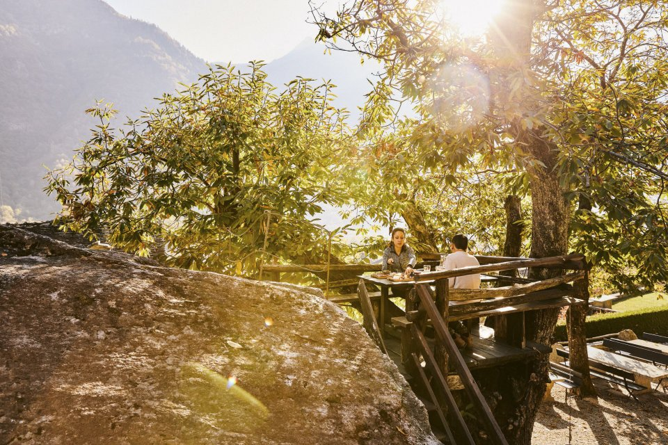Grotti twee kleuren in een potti. CREDIT Zwitserland Toerisme Giglio Pasqua