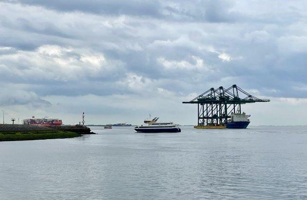 Druk scheepvaart verkeer.