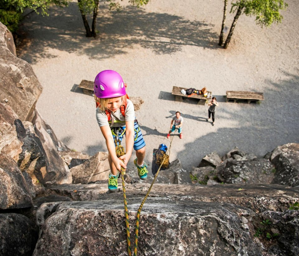 Rotswand klimmen in Slovenië CREDIT Cultura