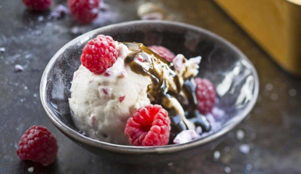 Terva-ijs eten in Finland CREDIT Camera Press