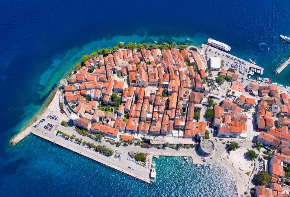Snorkelen bij Korcula, Kroatie. Foto: Vuk8691/ Getty Images