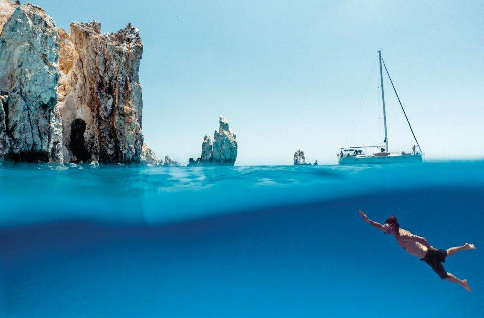 Poliegos is, net als buureiland Milos, vulkanisch en ziet er dan ook compleet anders uit dan het niet-vulkanische maar wel bergachtige Sifnos. Je kunt hier fantastisch snorkelen.