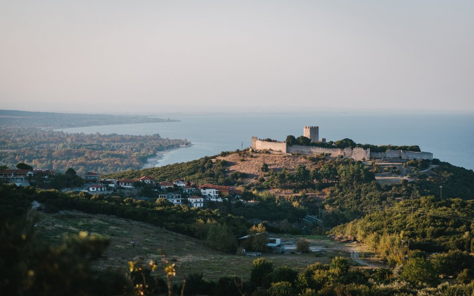 De parel van het dorpje Platamonas is het perfect bewaard gebleven Byzantijnse kasteel - iStock