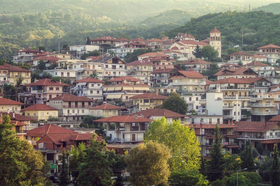 Bijna alle wandelroutes in het Olympus-gebergte beginnen in het gezellige 14de-eeuws dorp Litochoro - iStock