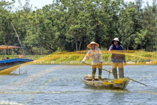 Netten uitgooien in Hoi An