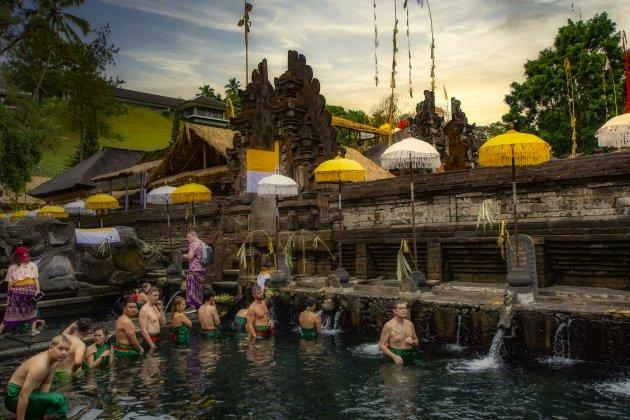 Een duik in de water tempel