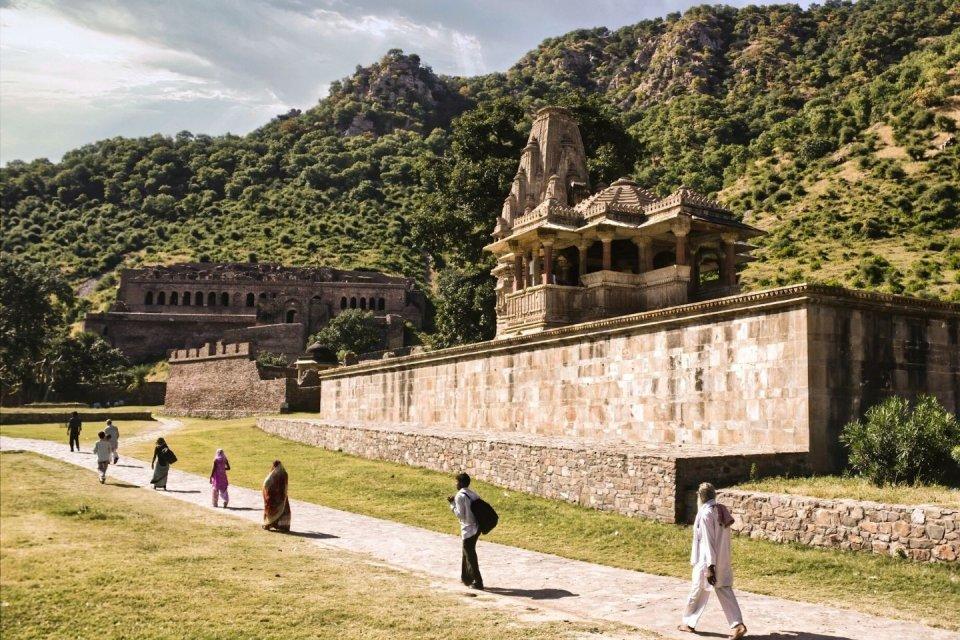 Wandeltochten - Ajabgarh in India CREDIT iStock