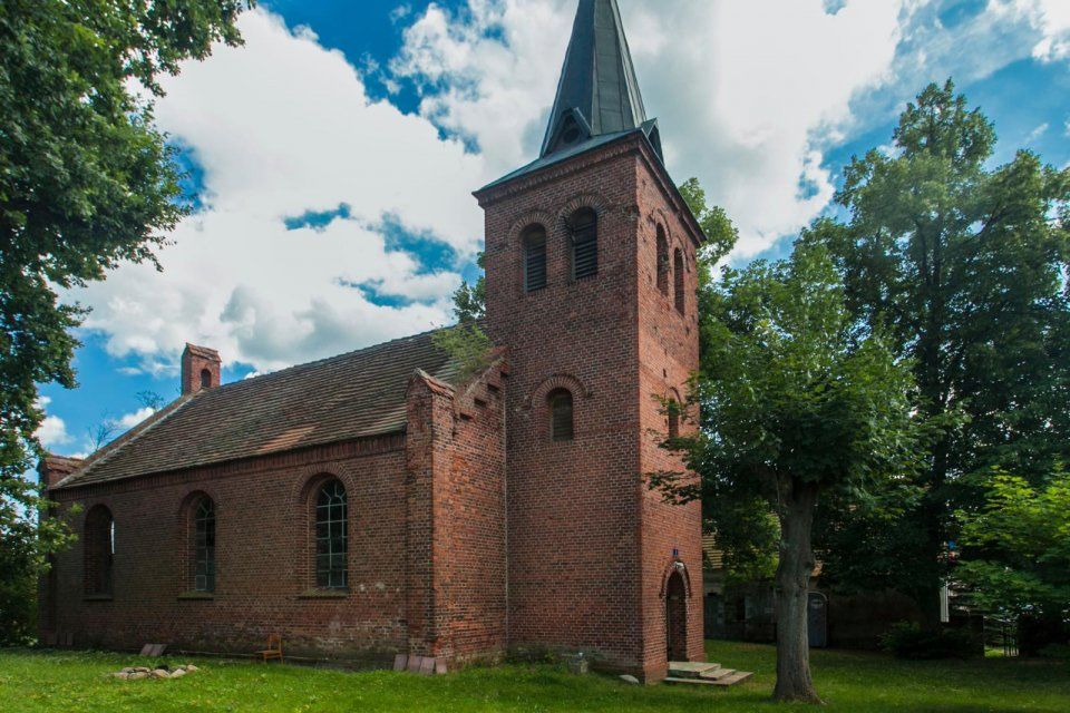 holiday in prussian village church, Havelsee, Duitsland CREDIT Juliane Beer