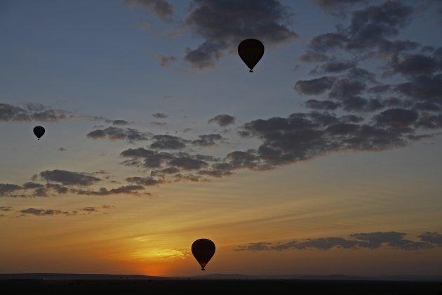 zonsopkomst over de Masai Mara vanuit een luchtballon Masai Mara NP Kenia