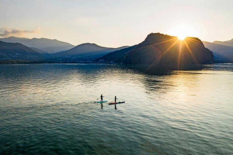 Suppen op een meer in Zwitserland en Oostenrijk CREDIT iStock