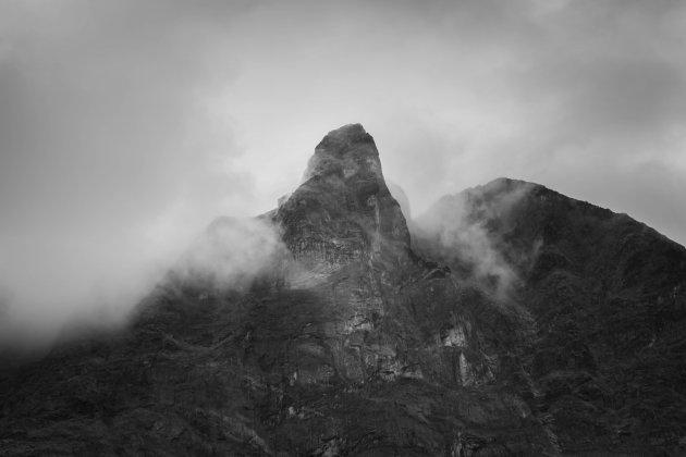 De dreigende toppen van Senja