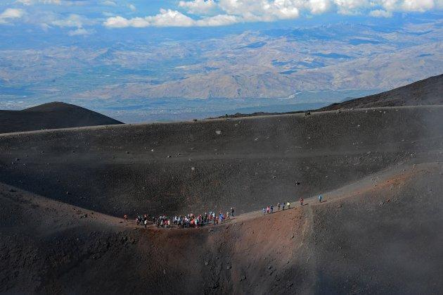 Toeristen op de Etna