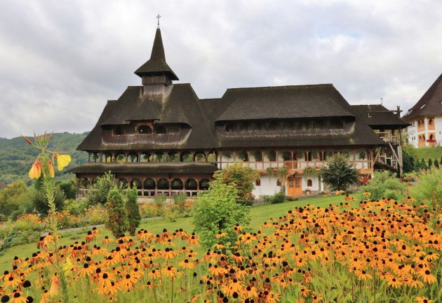 Bârsana Monastery, hoofdgebouw