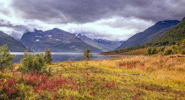 Wandeling langs het fjord