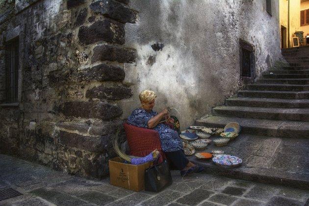 De mandenvlechtster uit Castelsardo