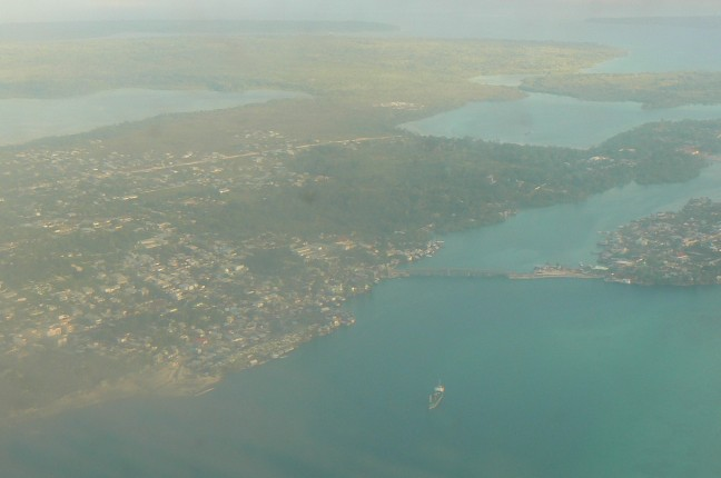 Landing op vliegveld Langgur, Kei Kecil