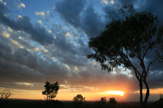 Zonsondergang in Undara NP
