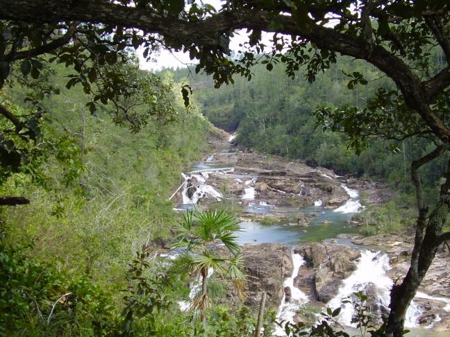 Een blik op de Five Sisters Falls
