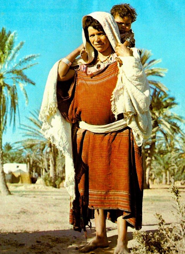 Bedouinevrouw met kind