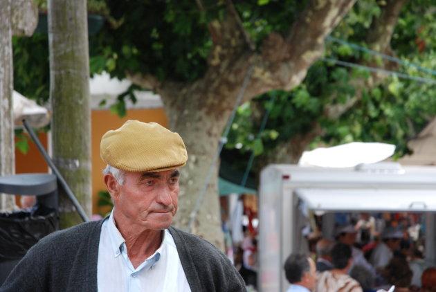Authentieke marktkoopman in Sintra