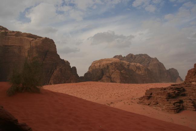 Rode zandduinen in Wadi Rum