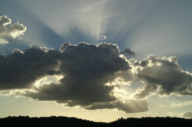 Achter de wolk...