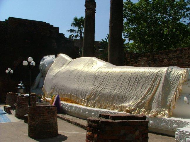 8.Wat Yai Chaya Mongkol 3