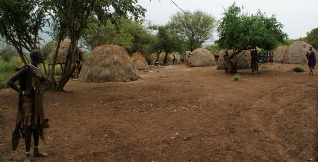 Mursi dorp.