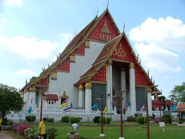 11.Wat Mongkhon Bophit tempel